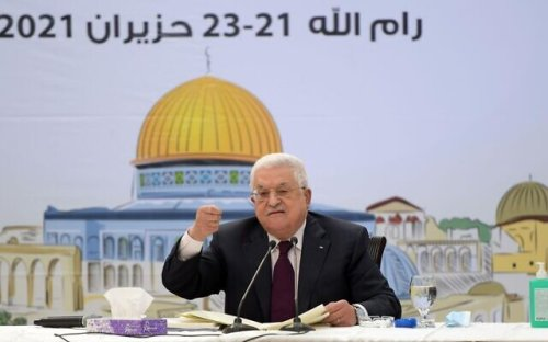 Breaking silence, Abbas says he's willing to work with new Israeli government