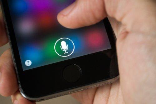 Israeli voice actor sues Apple for illegitimate use in Hebrew version of Siri