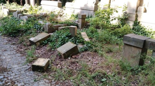Polish children destroy dozens of Jewish headstones while trying to build a fort