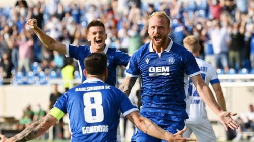 KSC feiert zweiten Saisonsieg - Paderborn mit kleinem Erfolg