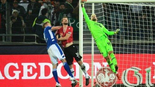 Sieg in Hannover: Schalke 04 trifft in der Nachspielzeit