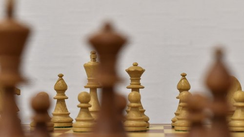 'The Queen's Gambit' Learn to be as good as Beth Harmon ... Chess Ain't That Tough!!!