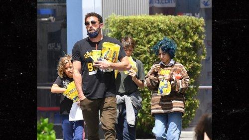 ben affleck mixed outing w/his & jen's kids ... Next Step, Modern Family!!!