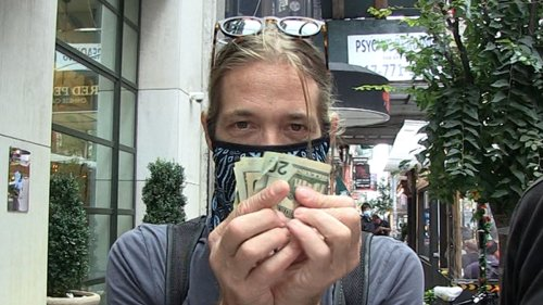 Foo Fighters' Taylor Hawkins Let's See Some Cash, Fellas!!! No Free Autographs in NYC