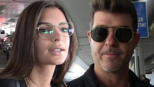 Emily Ratajkowski Robin Thicke Groped My Breasts ... During 'Blurred Lines'