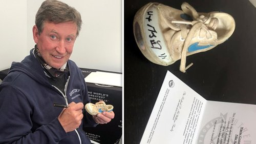 Wayne Gretzky Makes Fan's Life By Re-Autographing Baby Shoe ... Heartwarming Gesture