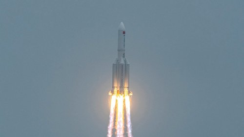 Chinese Rocket All Earthlings Safe!!! Debris Careens into Indian Ocean