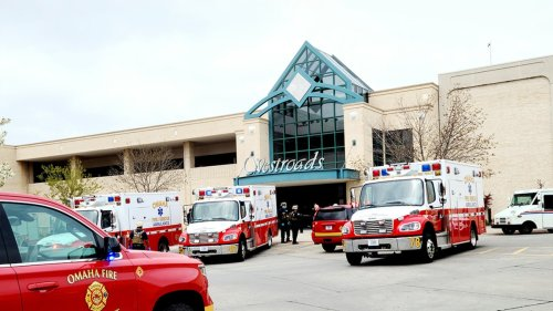 Omaha, Nebraska Cops Respond to Reported Shooting ... At Westroads Mall