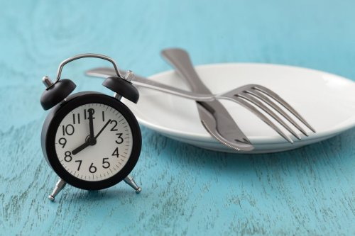 How to Do 16/8 Intermittent Fasting & Lose Fat Consistently