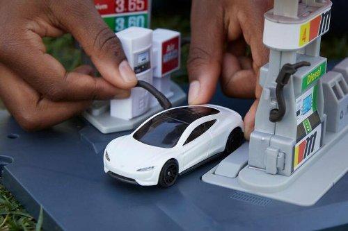 Matchbox Tesla Roadster, il veicolo di Mattel che punta alla sostenibilità