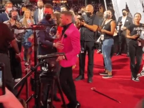 MTV Video Music Awards: Conor McGregor geht auf Machine Gun Kelly und Megan Fox los