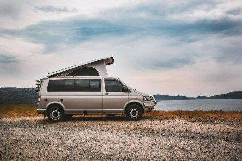 Campen mit Wohnmobil: Kosten, Ausstattung, Packliste – alle Infos für Einsteiger