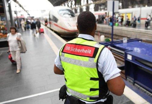 Maskenverweigerer schlägt am Bahnhof wild um sich – verliert Bahn-Mitarbeiter sein Augenlicht?