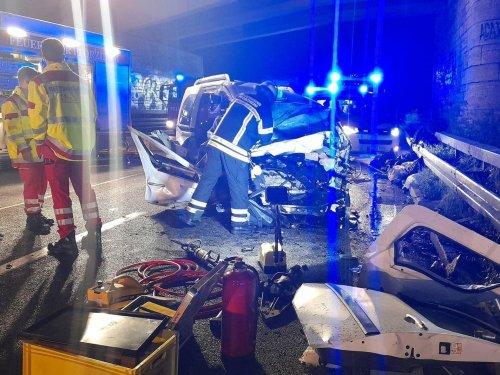 Falschfahrer sorgt für tragischen Unfall mit drei Toten – auch er stirbt