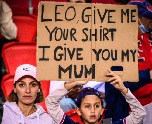 Junge will Messi-Trikot – und bietet seine Mutter zum Tausch an
