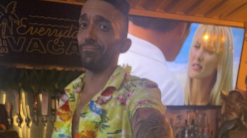 Hero Bartender Rescues Customer From Creep With Clever Receipt Trick