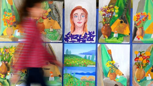 6-Year-Old Told by Art Teacher She Painted Picture 'Wrong', Internet Disagrees