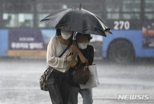 [오늘 날씨] 전국 곳곳에 요란한 '소나기'…천둥·번개·우박 동반 #날씨