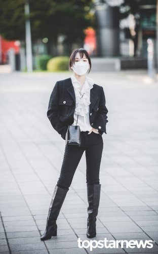 [HD포토] 레드벨벳(Red Velvet) 웬디, '그녀의 자신감' (웬디의 영스트리트 출근길) #레드벨벳 #RedVelvet #웬디 #영스트리트 #출근 #퇴근 #패션 #프리뷰