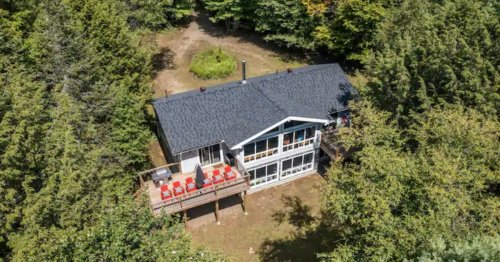 A Toronto couple wanted to ditch the city. They found this $570,000 cottage in Haliburton