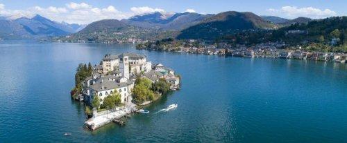 La storia del lago d'Orta, in Piemonte: dal disastro ecologico alla tutela ambientale, grazie al contributo della comunità