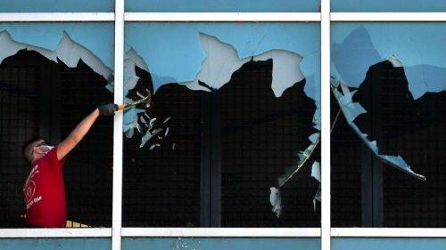 Photos: Inmates again smash windows at downtown St. Louis jail