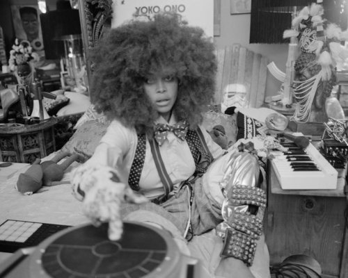 Erykah Badu wants you to chill out