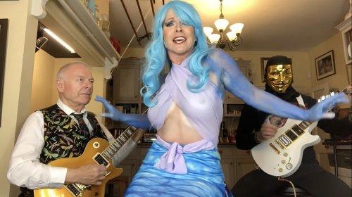 "Watch Toyah & Robert Fripp cover Heart's ""Barracuda"" mermaid-style"