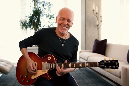Peter Frampton Covers George Harrison's 'Isn't It a Pity'
