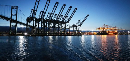 Los Angeles, Long Beach ports extend truck hours amid cargo deluge