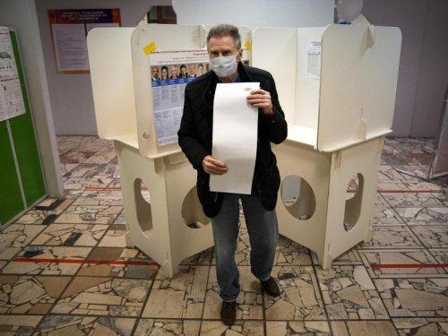 Wahl in Russland gestartet - Beobachter kritisieren Betrug