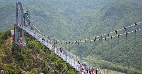 High Winds Break Glass Panels Of Chinese Bridge, Stranding Visitor - TravelAwaits