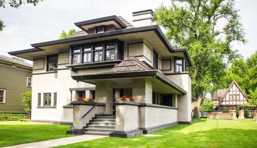 9 Best Frank Lloyd Wright Creations To Explore In Oak Park - TravelAwaits