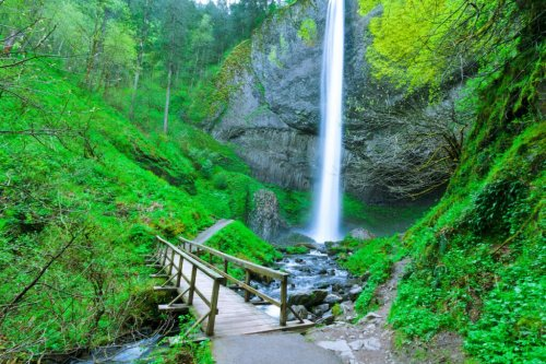 6 Beautiful Waterfalls To Visit In Oregon's Columbia River Gorge