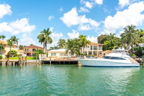 RVs, Boats, & Homes: The Best Last-Minute Memorial Day Rentals Available Now - cover