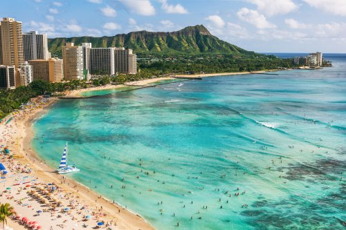 Hawaii Working On Plan To Limit Tourists In Oahu