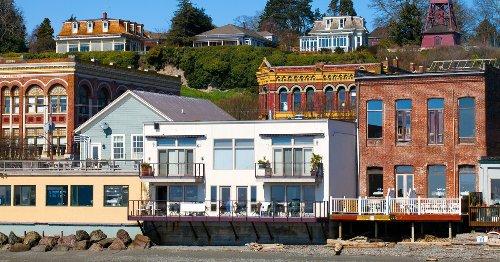 10 Coastal Washington State Towns Not To Miss