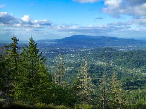 10 Best Hikes Near Eugene, Oregon - TravelAwaits
