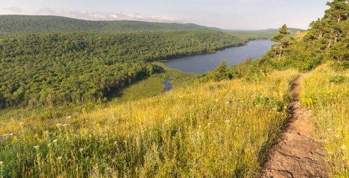 9 Best Hikes In Beautiful Michigan