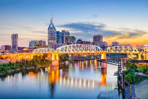Nashville Travel Guide: What To Eat, See, And Do
