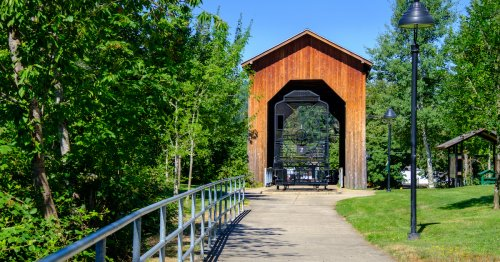 How To Spend A Day In Charming Cottage Grove, Oregon