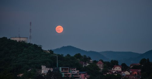 The Last Supermoon Of 2021 Happens This Week, June 24th - TravelAwaits