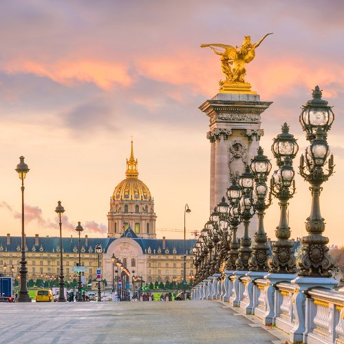 9 Ways To Avoid Looking Like A Tourist In France