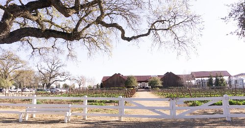 How To Spend A Romantic Long Weekend In Lodi, California
