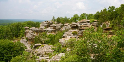 7 Best Hikes To Experience In Southern Illinois