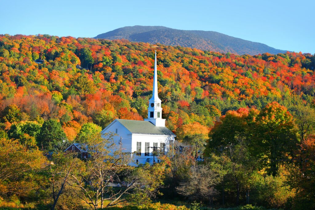 The Best Fall Foliage Places In New England - cover