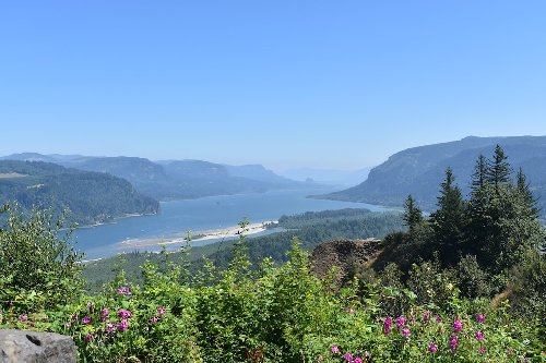 5 Unique Small Towns In The Columbia River Gorge National Scenic Area