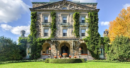 9 Beautiful Historic Mansions To Visit In The Hudson Valley