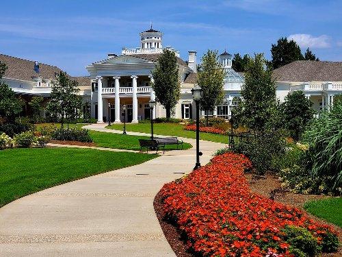 5 Ways To Celebrate Spring At Alabama's Gorgeous Botanical Gardens