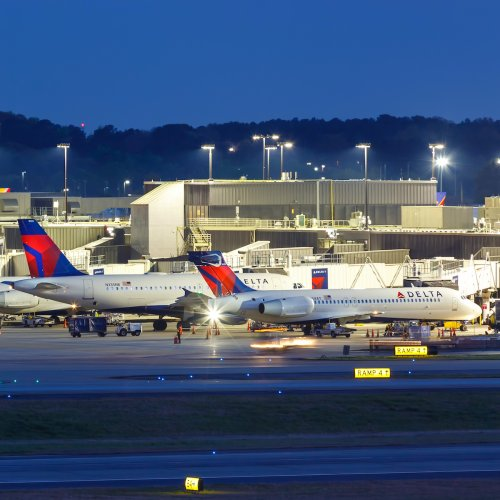 Delta Becomes First Major Airline To Require COVID Vaccine For All New Employees - TravelAwaits
